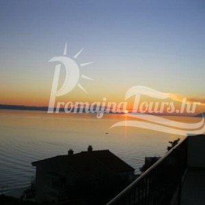 Private accommodation Podgora Apartments Lili
